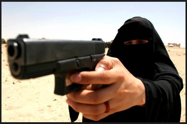 Woman cop in iraq